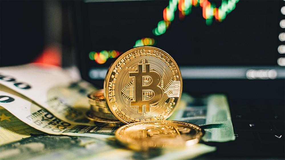 Estrategas de JPMorgan recomiendan inversión en bitcoin para portafolios de sus clientes