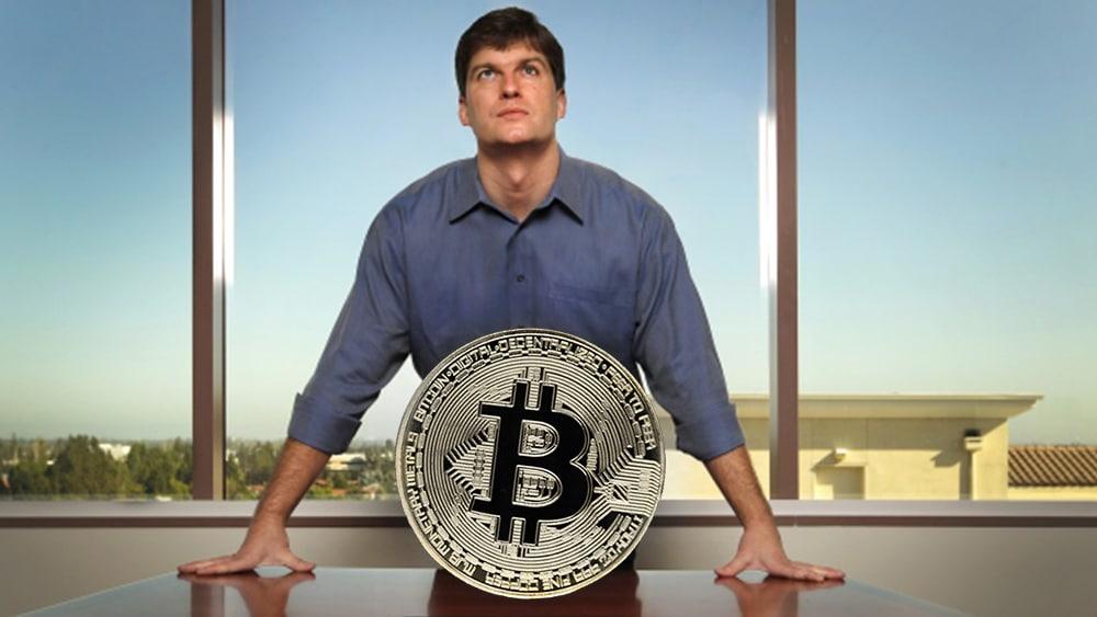 Bitcoin no sustituirá al dólar como moneda de reserva, según inversionista Michael Burry