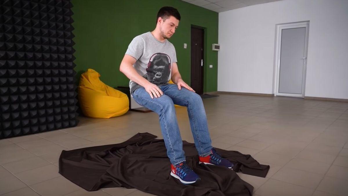 La pieza para el truco de sentarse en el aire