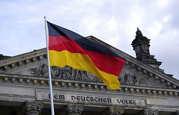 Gobierno de Alemania planea vincular identidades a comunicaciones en Internet