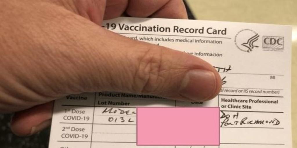 La 'darknet' comienza a llenarse de certificados de vacunación falsos