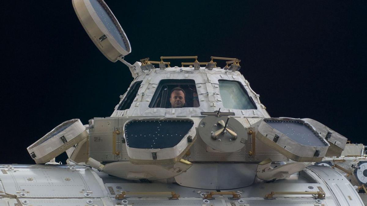 Tres nuevas bacterias halladas a bordo de la ISS