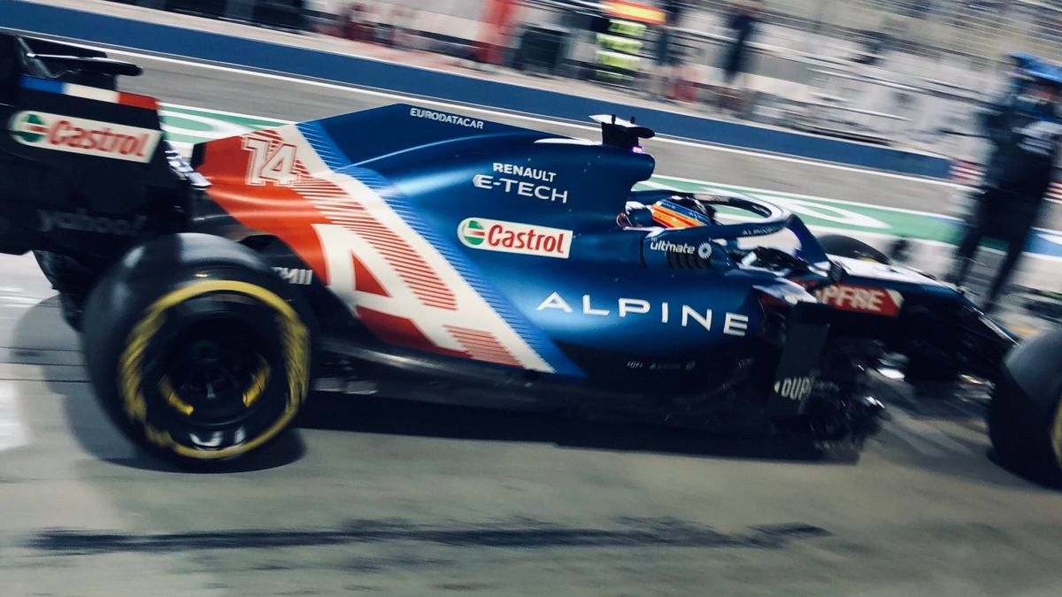Alonso abandona su carrera de regreso a la Fórmula 1 porque el envoltorio de un sándwich le bloqueó los frenos