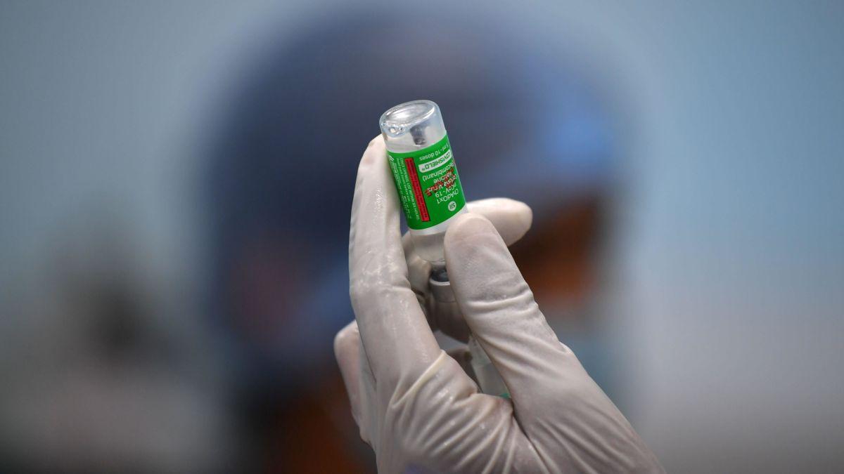 La vacuna de AstraZeneca es «segura y eficaz», concluyen los expertos de la Unión Europea