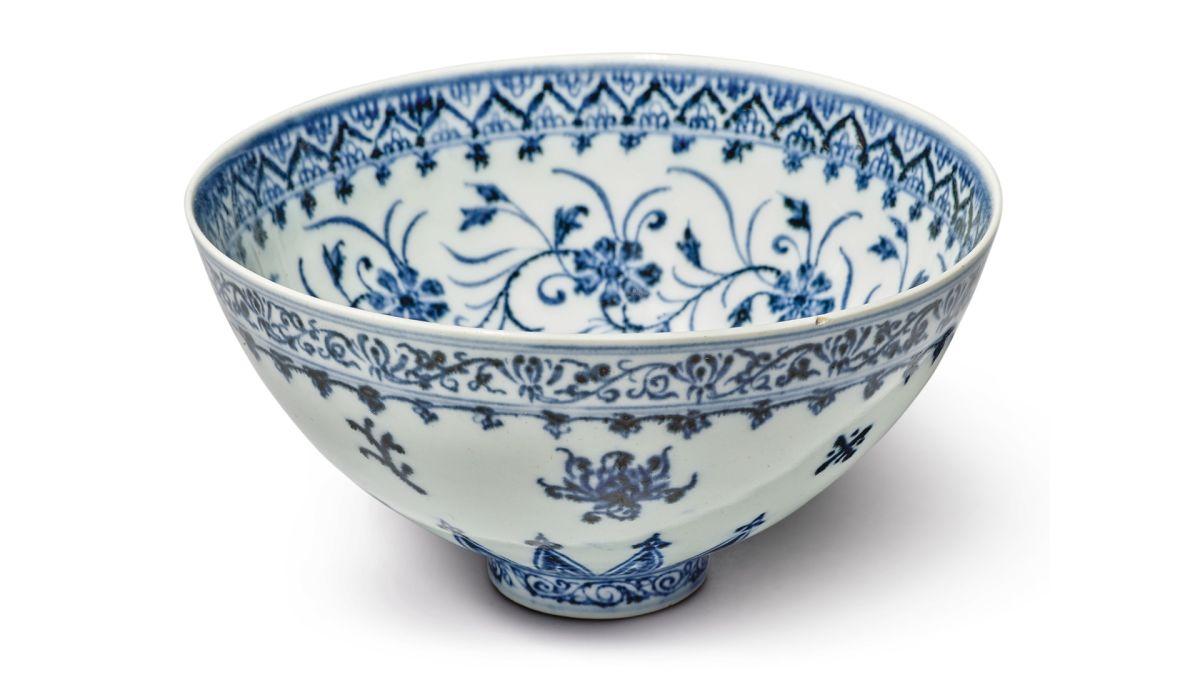 Compra por $35 una vasija china de la dinastía Ming valorada en medio millón