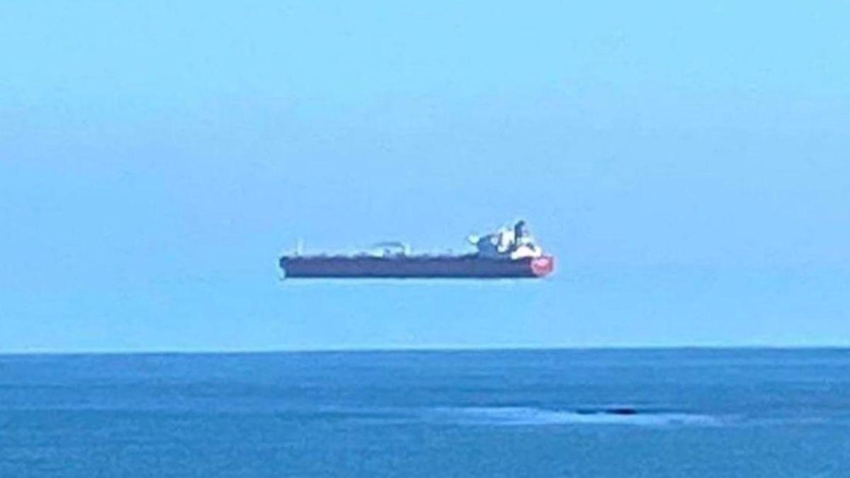 La ilusión óptica que nos hace ver barcos volando sobre el mar