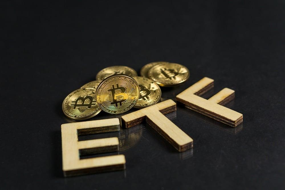 SEC pospone veredicto sobre ETF para bitcoin de VanEck hasta junio