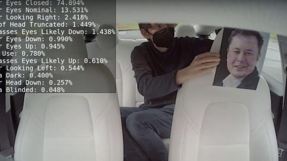 Cómo detecta la cámara de Tesla la atención del conductor