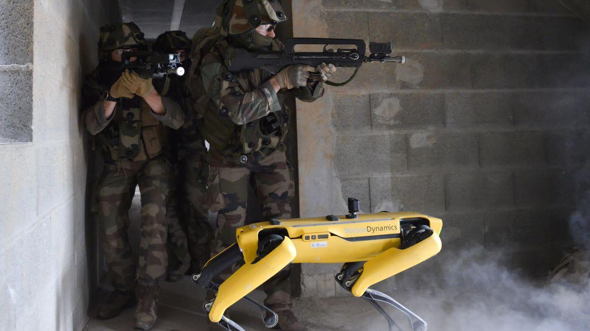 El ejército francés realiza pruebas de combate con un robot de Boston Dynamics