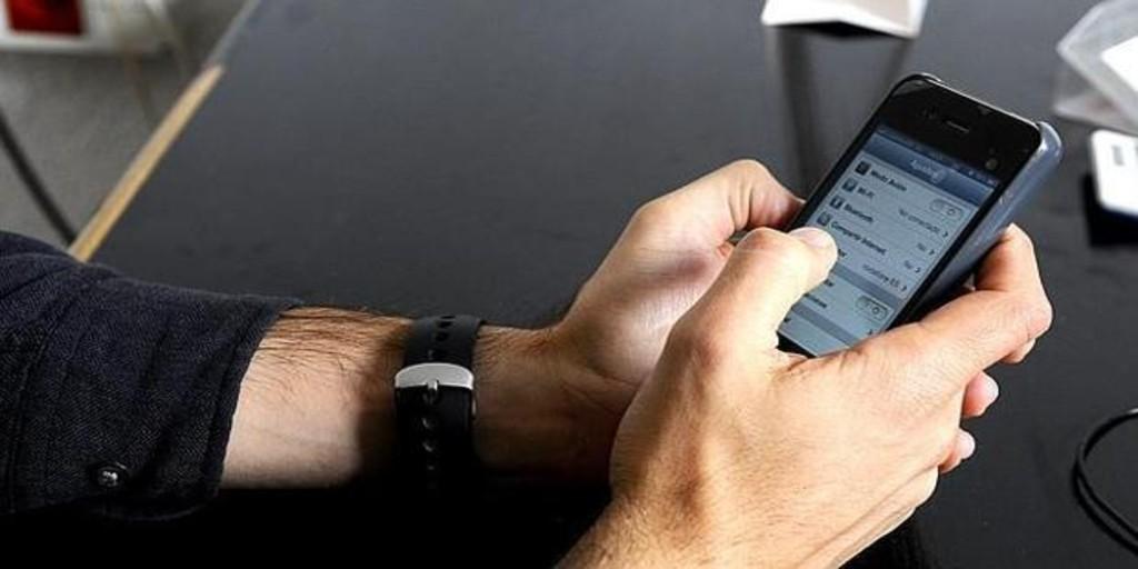 Trucos para que tu 'smartphone' no te espíe la ubicación