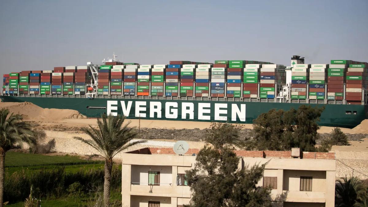 Egipto exige 1000 millones de dólares o no devolverá el Ever Given