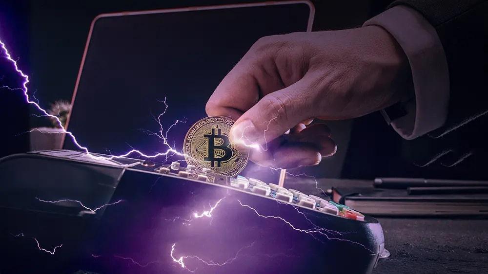 Artista prueba complemento de pagos en Lightning de Bitcoin para productores de música