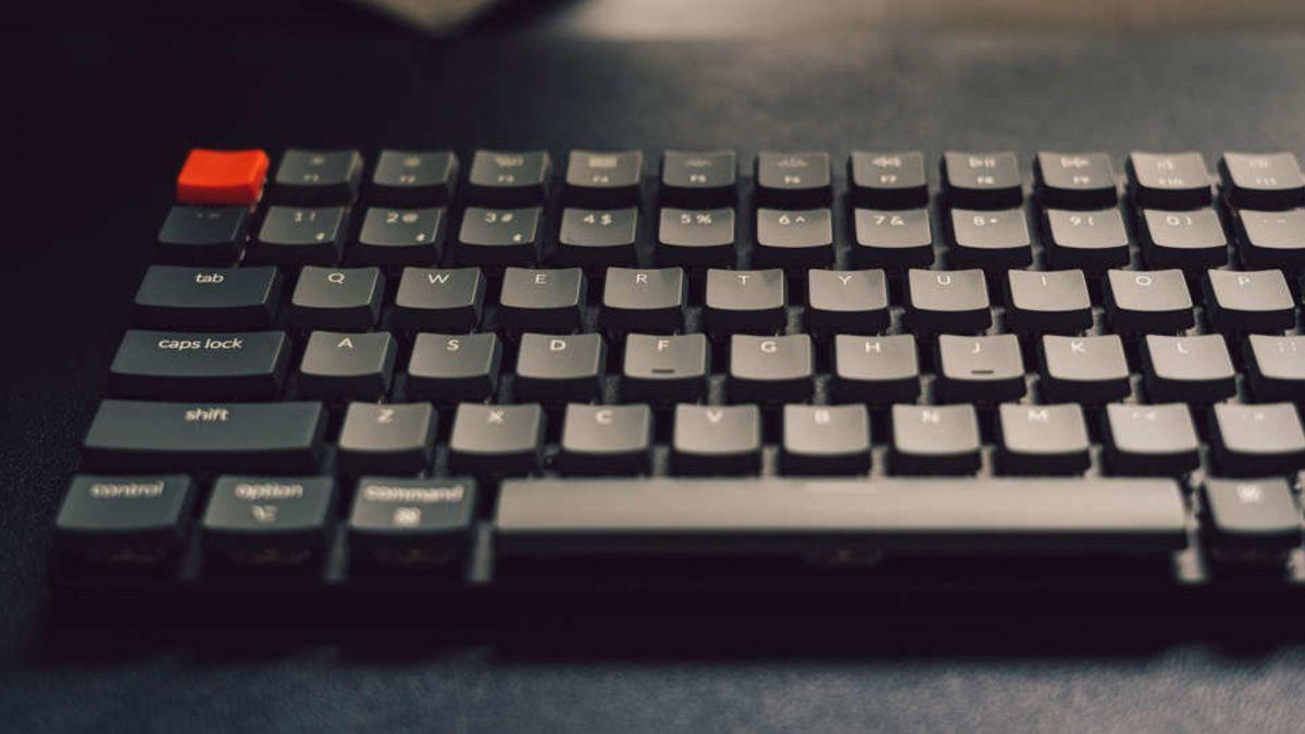 Por qué deberías usar un teclado y un ratón con tu PS5 o Xbox