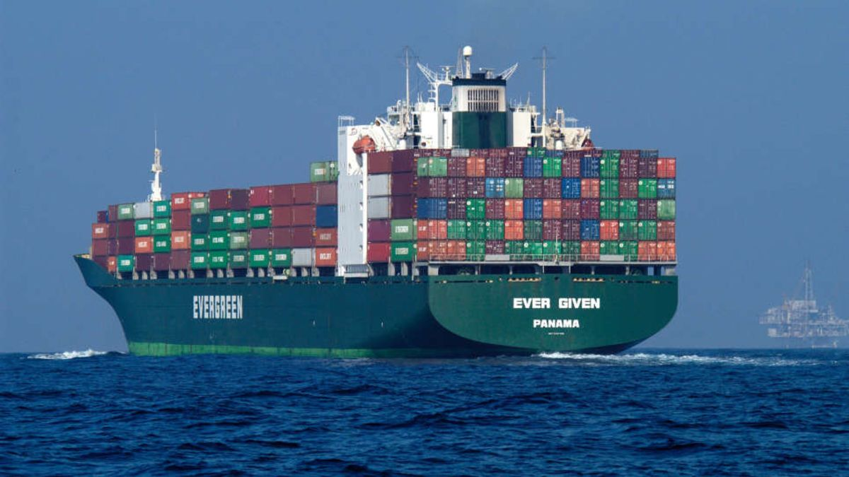 Qué llevaba a bordo el Ever Given cuando atascó el canal de Suez