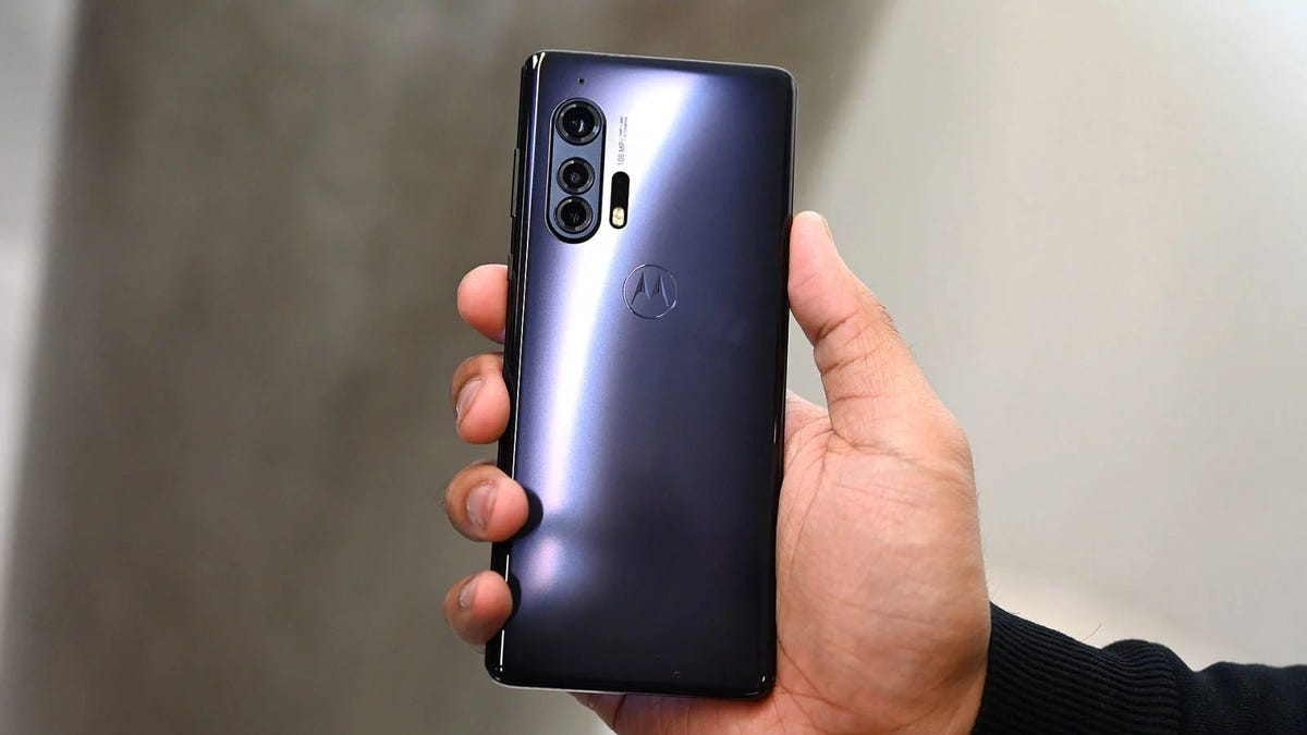 Smartphones de Motorola tendrán carga inalámbrica a distancia