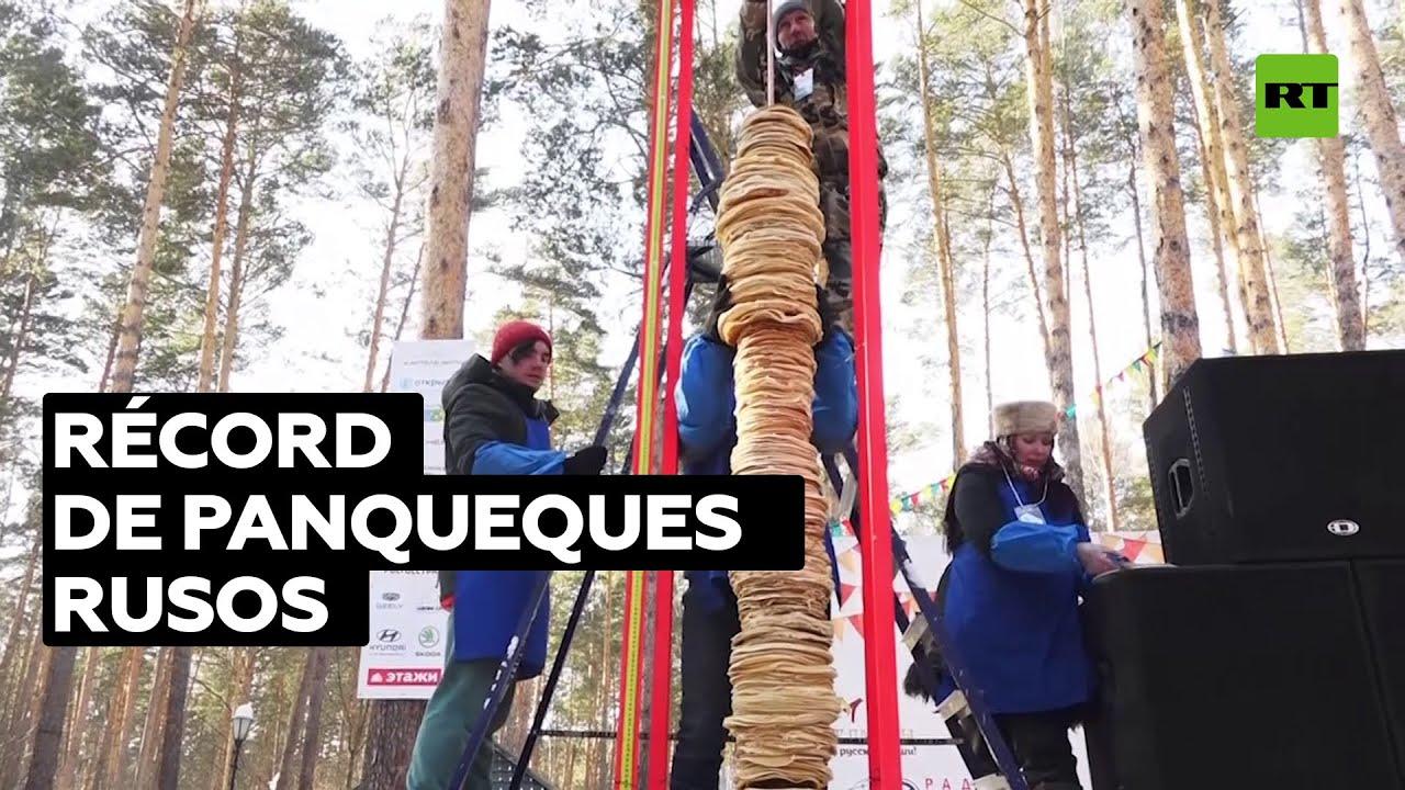 Poste de panqueques de tres metros establece un récord en Rusia
