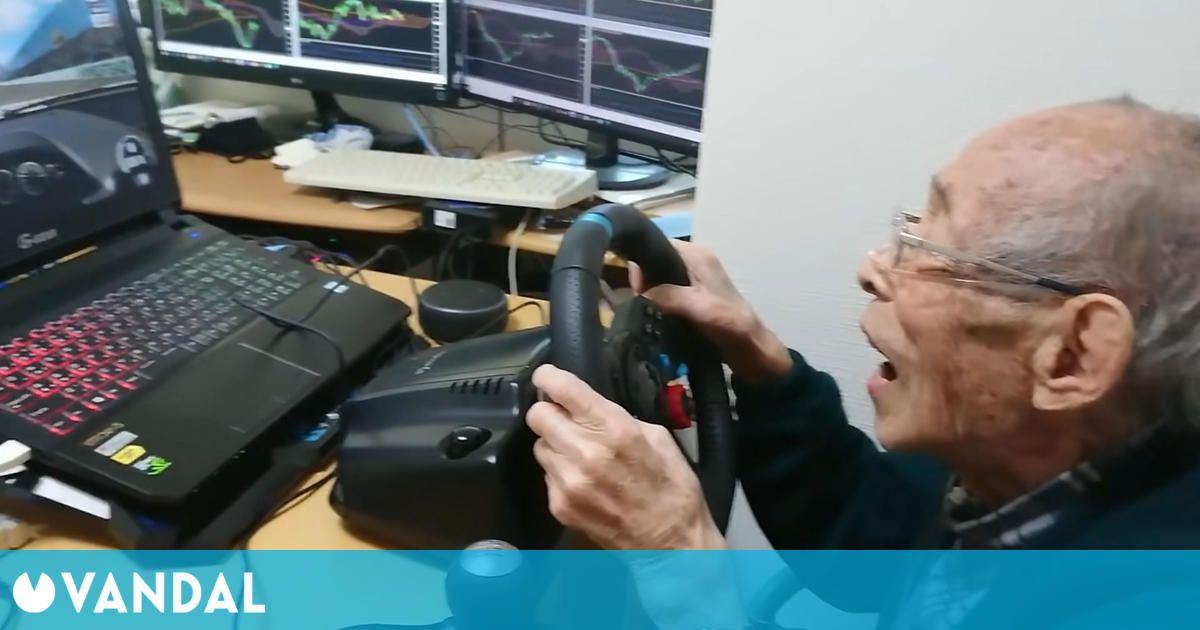 A este 'youtuber' de 93 años le encantan los simuladores de conducción