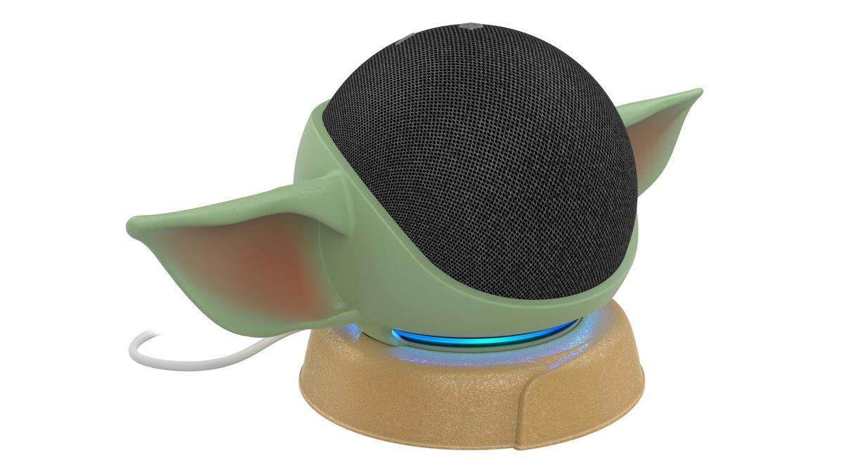 Ahora Amazon vende orejas de Baby Yoda para el altavoz Echo Dot