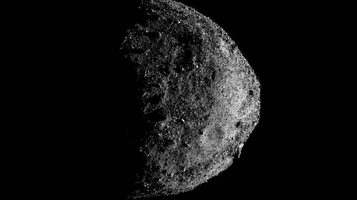 Las muestras del asteroide Bennu obtenidas por la OSIRIS-REx ya van camino de la Tierra