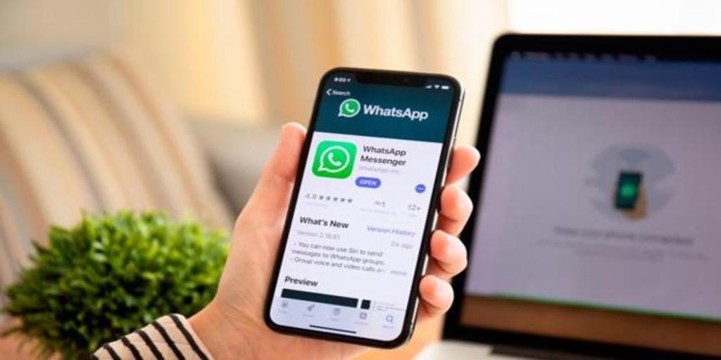 El truco en el que trabaja WhatsApp para que nadie lea las conversaciones que guardas en la nube