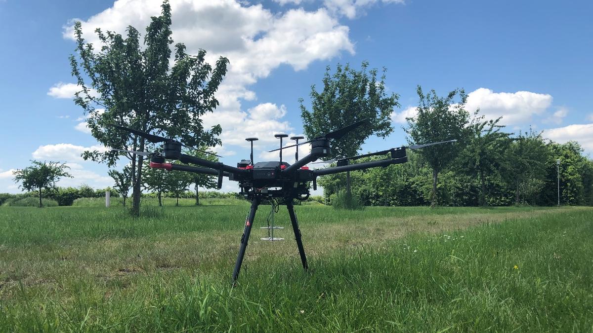 Un dron programado para rastrear personas por sus gritos