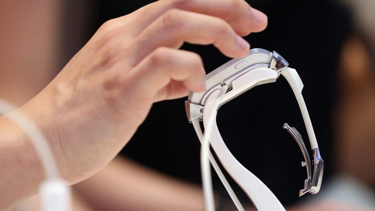 Facebook prepara un smartwatch para 2022 con doble cámara