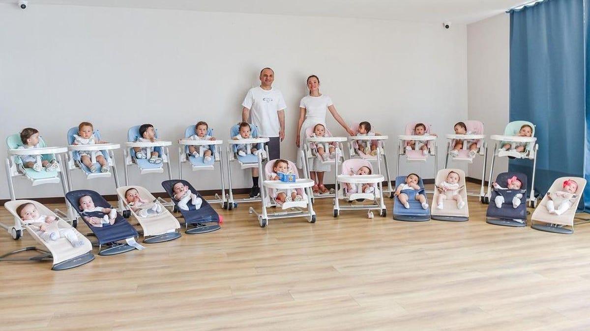 Compran 20 niños por gestación subrogada y fantasean con llegar a 100