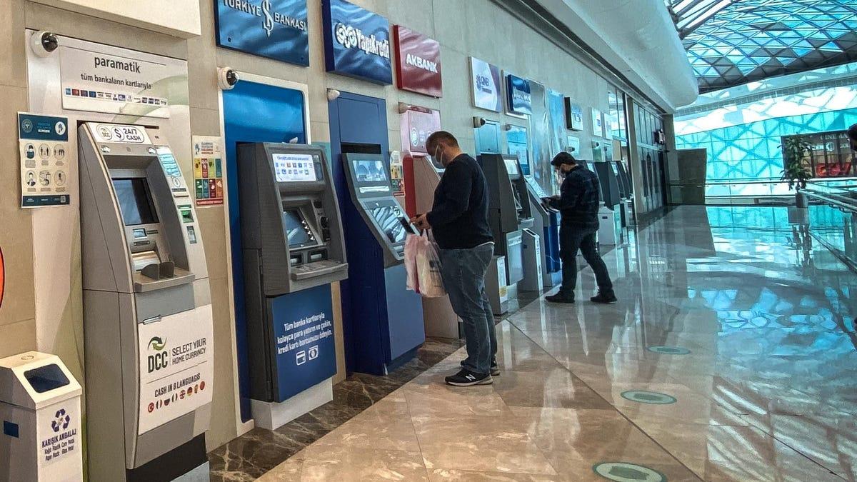 Consiguen hackear cajeros automáticos usando solo un teléfono con NFC
