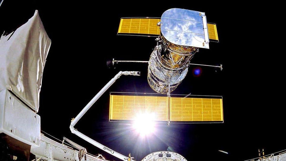 Un ordenador que no enciende desde 2009, la solución del Hubble
