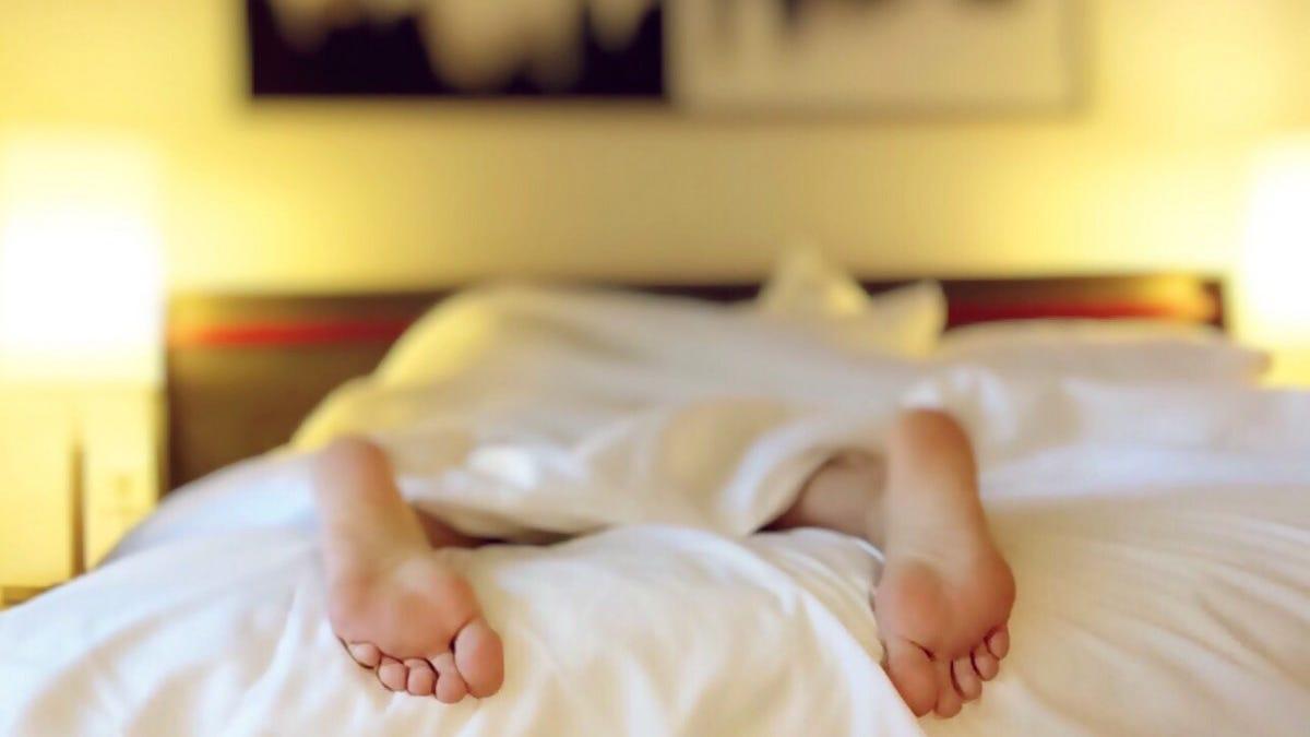 El sencillo truco para conciliar el sueño por la noche