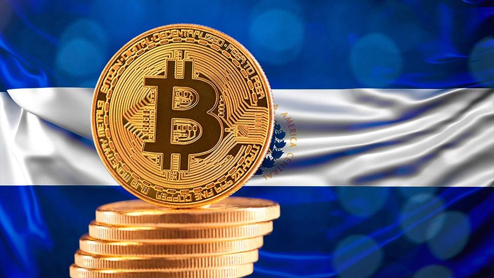 El reto de El Salvador es explicar que bitcoin no es moneda física: banquero Dante Mossi