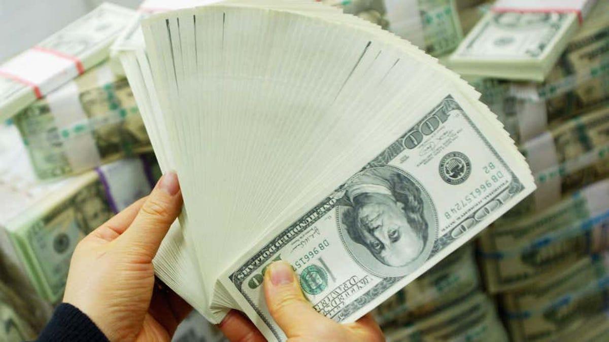 La cuenta corriente de una familia aparece con 50 mil millones