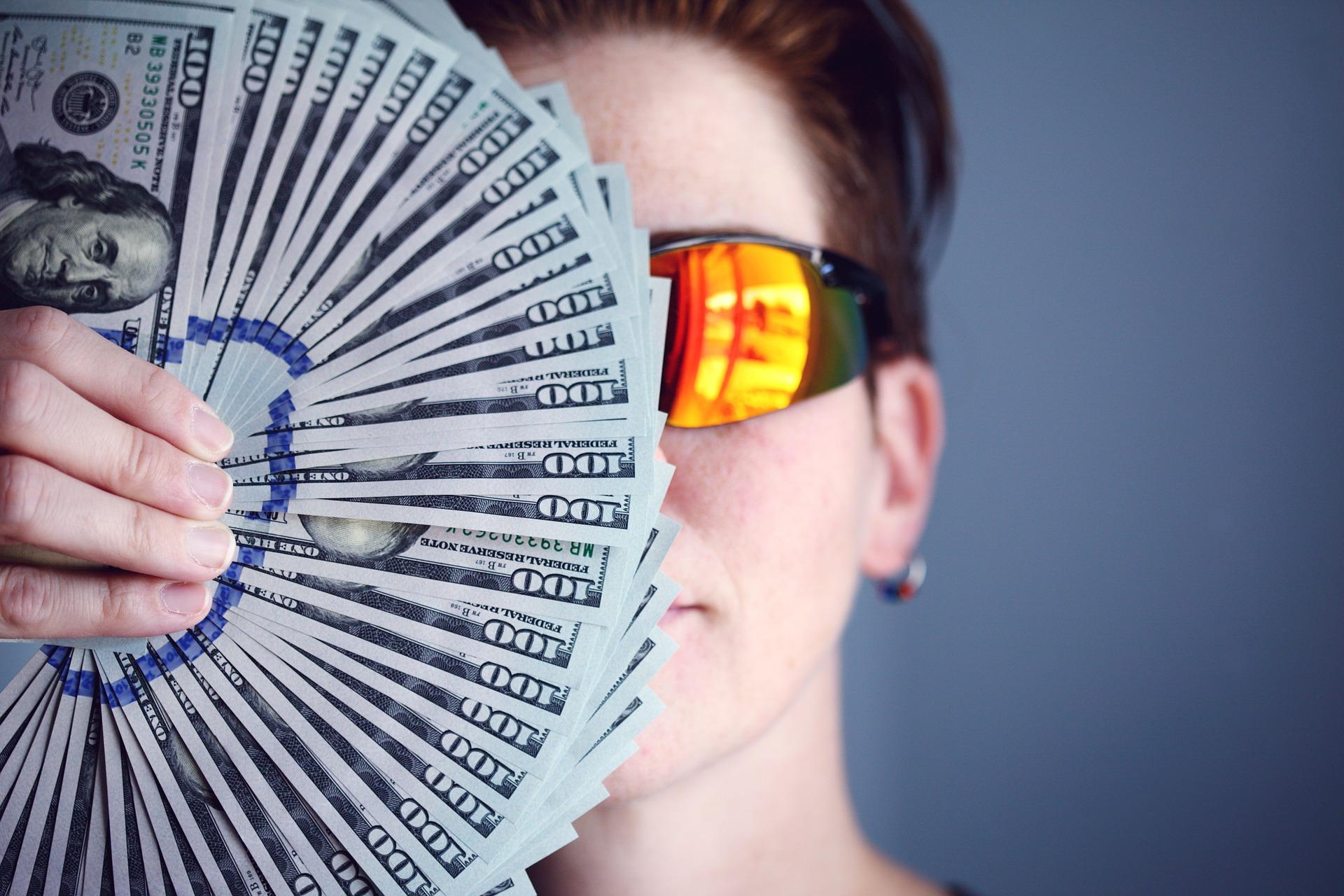 Grandes inversores de Bitcoin: quiénes son: tras los pasos de Tesla