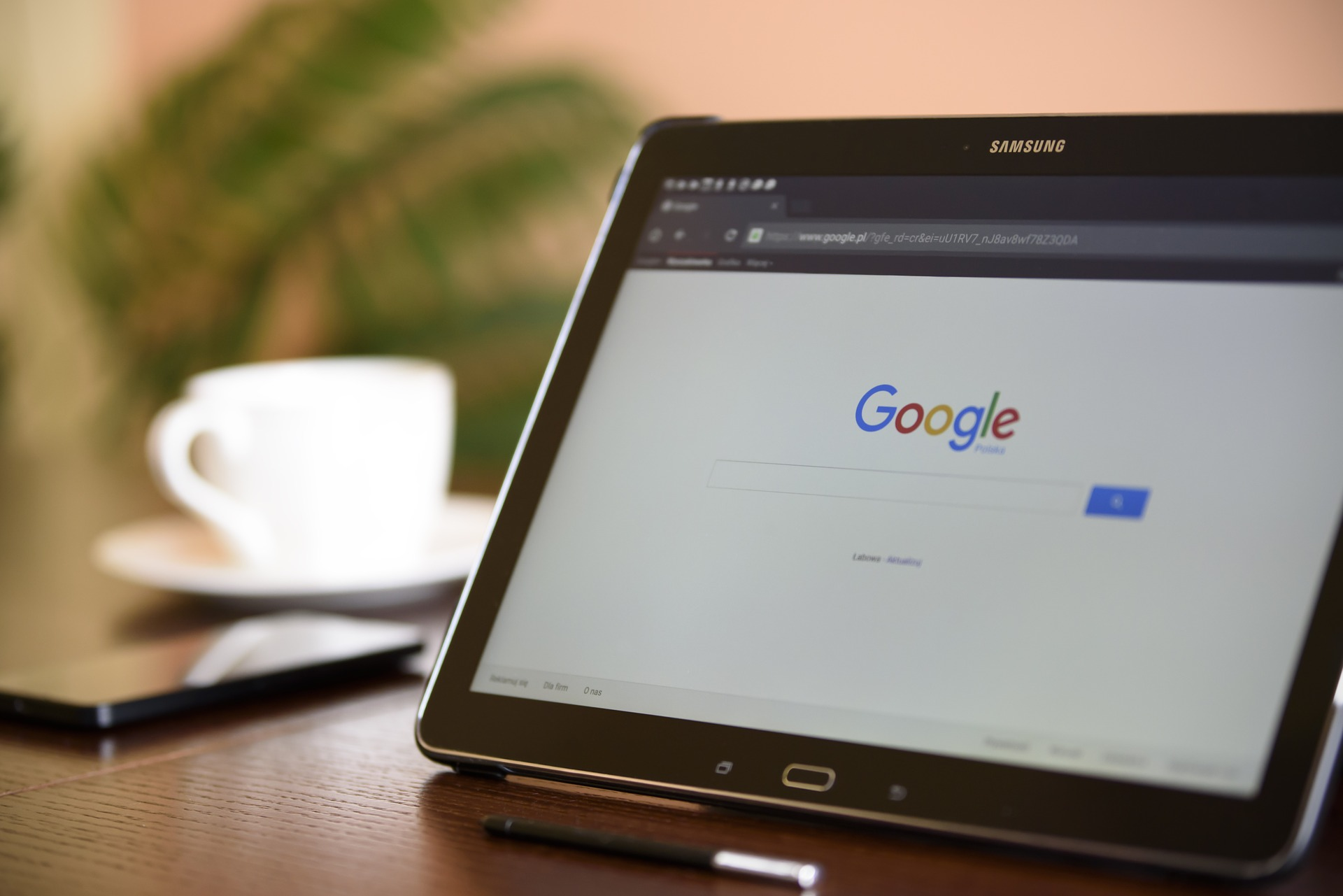 Google ajusta la política de anuncios criptográficos