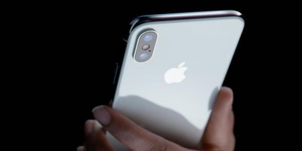 Cuidado con las actualizaciones: estos son los peligros que corres si no mantienes al día tu 'smartphone'