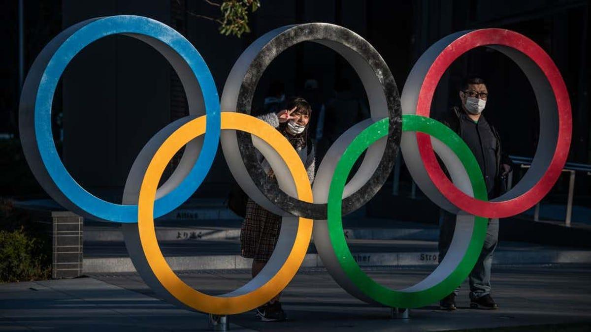 Arrestada por intentar apagar la antorcha olímpica con pistola de agua