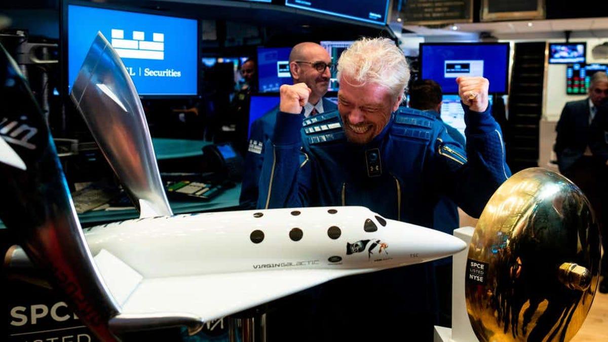 Branson se quiere adelantar a Bezos en llegar al espacio