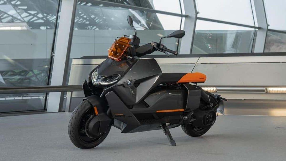 BMW presenta su primera scooter eléctrica