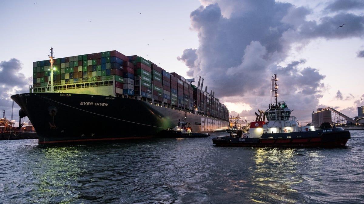 La saga del Ever Given llegó a su fin, pero el tráfico marítimo está mal