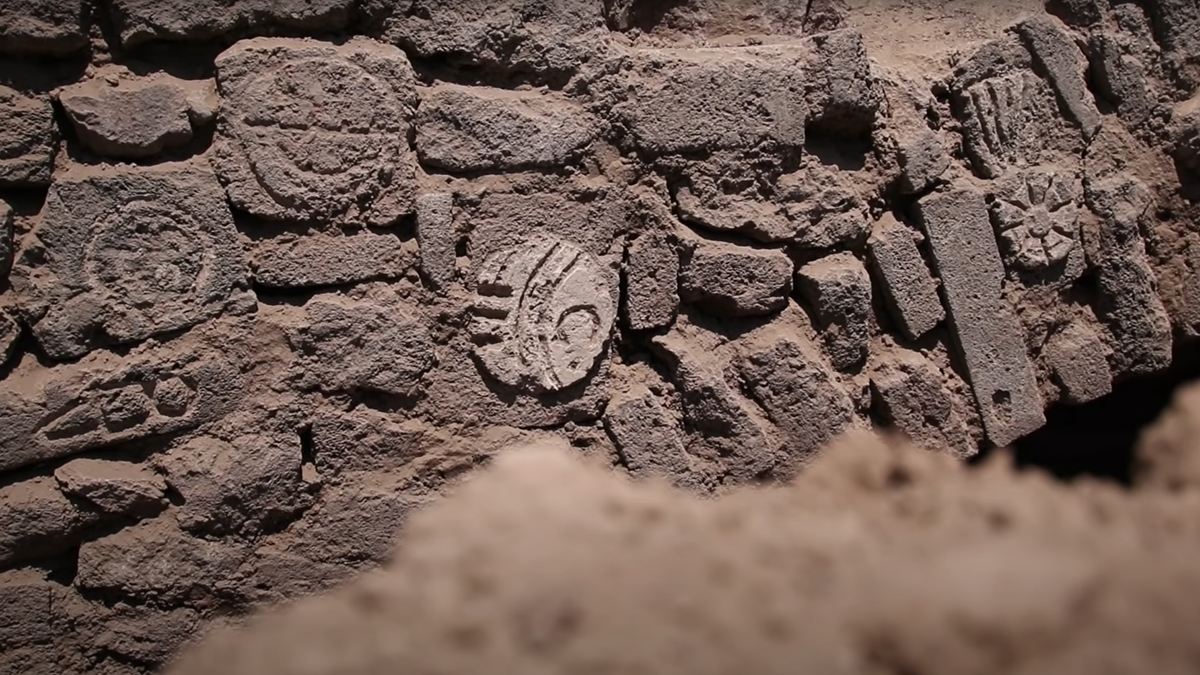 Encontrar un yacimiento arqueológico para enterrarlo otra vez