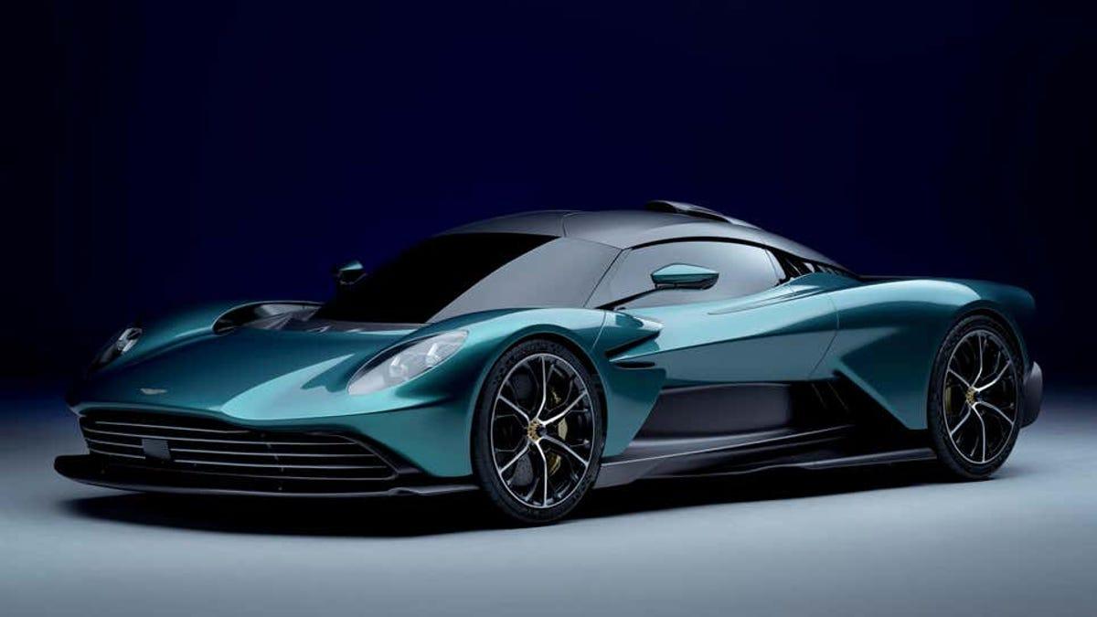 Nuevo Aston Martin Valhalla híbrido con casi 1.000 caballos