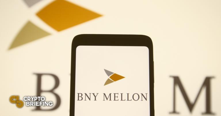 BNY Mellon ayudará a escala de grises con planes ETF de Bitcoin