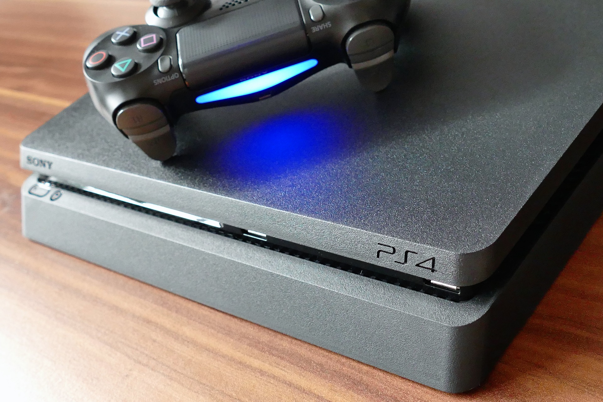 Más de 3.000 consolas PlayStation descubiertas en una incursión, modificadas para extraer criptomonedas