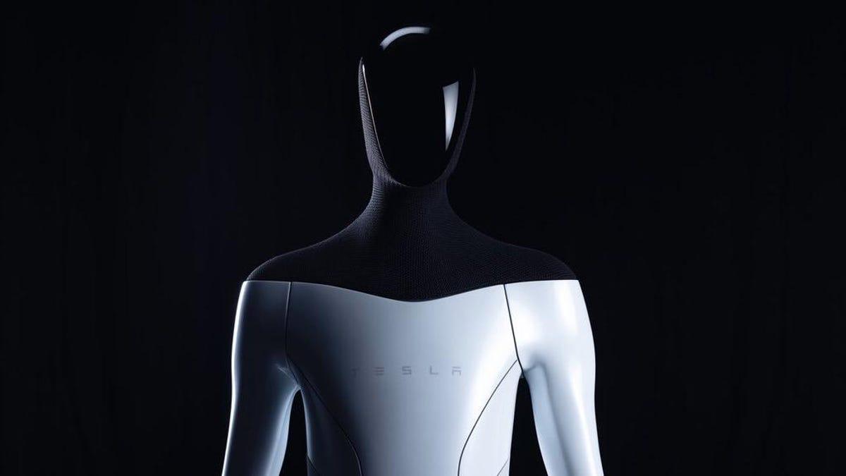 Elon Musk dice que construirá un robot humanoide (y saca una persona disfrazada de robot al escenario)