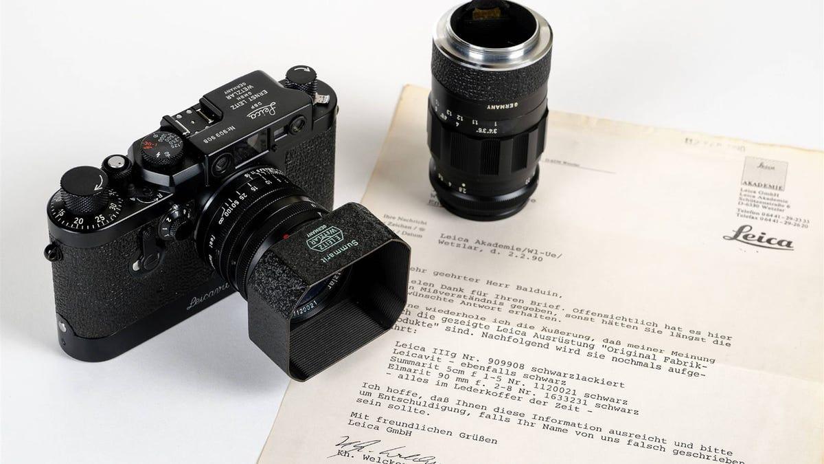 Compra una Leica antigua y la vende por el precio de una casa