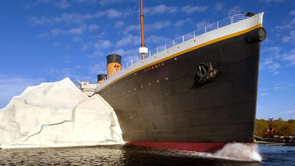 El iceberg del Museo del Titanic deja tres heridos