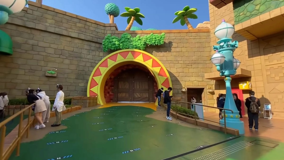 Una misteriosa puerta cerrada ha aparecido en el parque de atracciones de Super Mario, y los fans están enloqueciendo