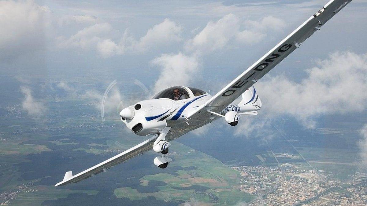 Un iPhone X cae desde un avión a 3400 metros de altura y sobrevive sin un rasguño