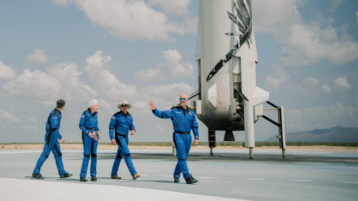 La demanda de Blue Origin contra la NASA se retrasa una semana porque los fiscales tienen problemas convirtiendo los documentos en PDF