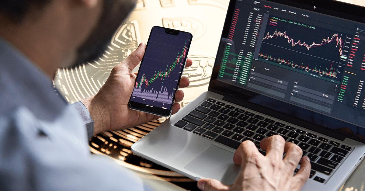 ¿Qué pasó con el comercio de bitcoin durante el mes de julio? Analistas responden